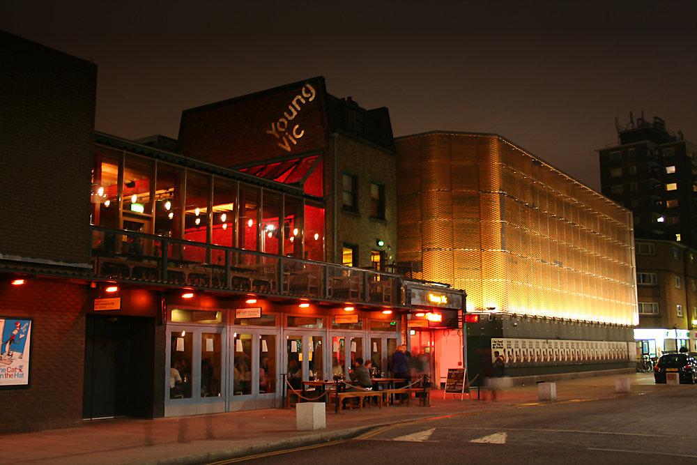 Youngvic theatre 出典:http://exeuntmagazine.com/